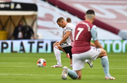 La Premier League èripartita dopo una sospensione di 100 giorni a causa dell'epidemia di coronavirus. Sheffield United e Aston Villa ...