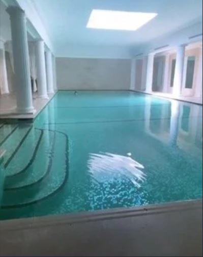 Icardi, nuova villa di lusso a Parigi: Wanda la condivide ...