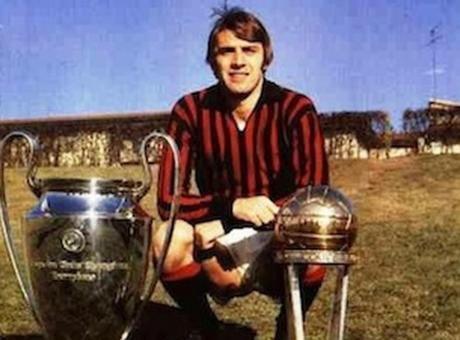 E' morto, all'età di73 anni,Pierino Prati, campione d'Europa conl'Italianel 1968 efinalista al Mondiale del 1970oltre che protagonista di grandi successi con la maglia delMilane autore della favolosa triplettaall'Ajaxche regalò ai rossoneri la Coppa dei Campioni del 1969.