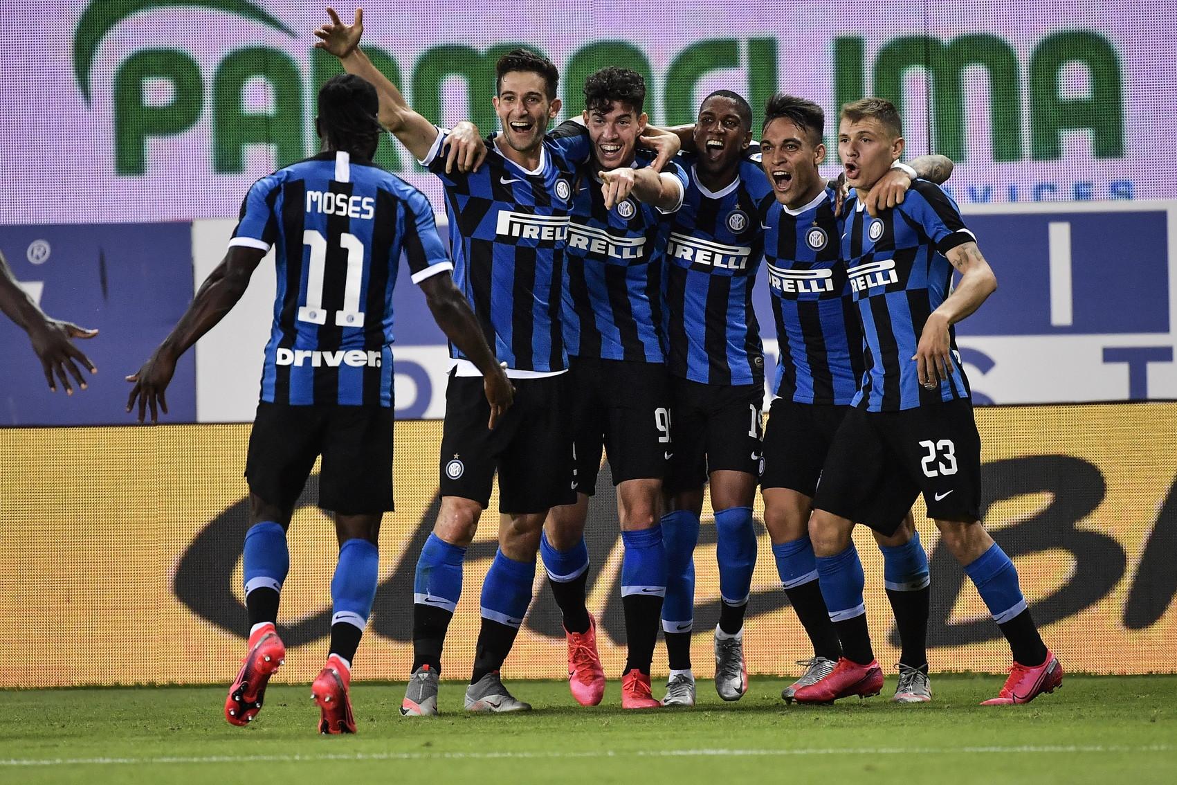 L'Inter batte in rimonta il Parma nel finale grazie a De Vrij e Bastoni. Gervinho aveva portato avanti i ducali nel primo tempo.