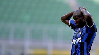 Bologna, show in rimonta: l'Inter crolla a San Siro e la Lazio ringrazia
