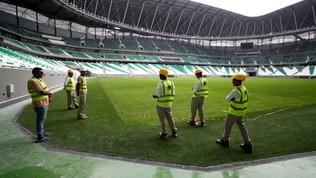 Qatar 2022, effetto Covid-19: organizzatori tagliano posti di lavoro