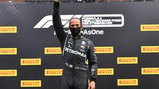 Hamilton, pugno chiuso sul podio