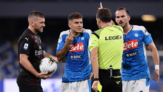 Il Milan resiste a Napoli, punto d'oro per l'Europa