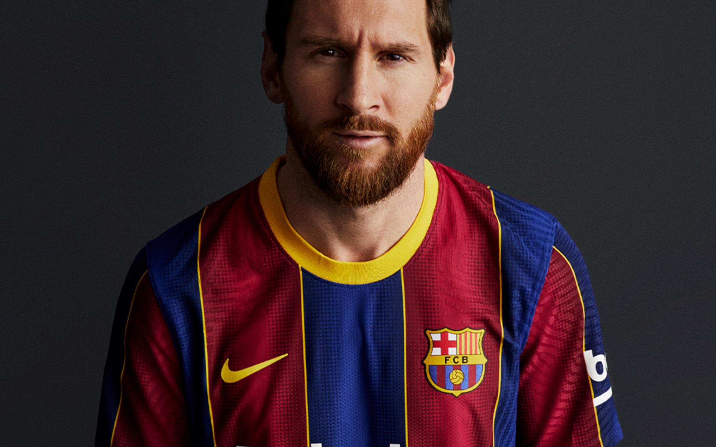 Il sito del club blaugrana ha presentato ufficialmente la nuova divisa per l&#39;anno prossimo, che sar&agrave; ispirata a quella di 10 anni fa &#39;vincitrice&#39; della Champions League, e allo stesso tempo ha mandato un chiaro messaggio di calciomercato: tra i testimonial per la nuova casacca ci sono infatti sia Messi sia Griezmann.&nbsp;<br /><br />