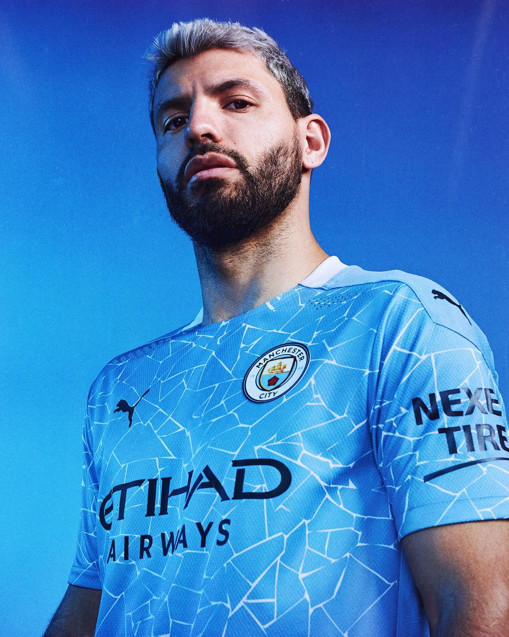 """Puma ha svelato il nuovo kit """"home"""" della squadra di Guardiola... un vero e proprio mosaico"""