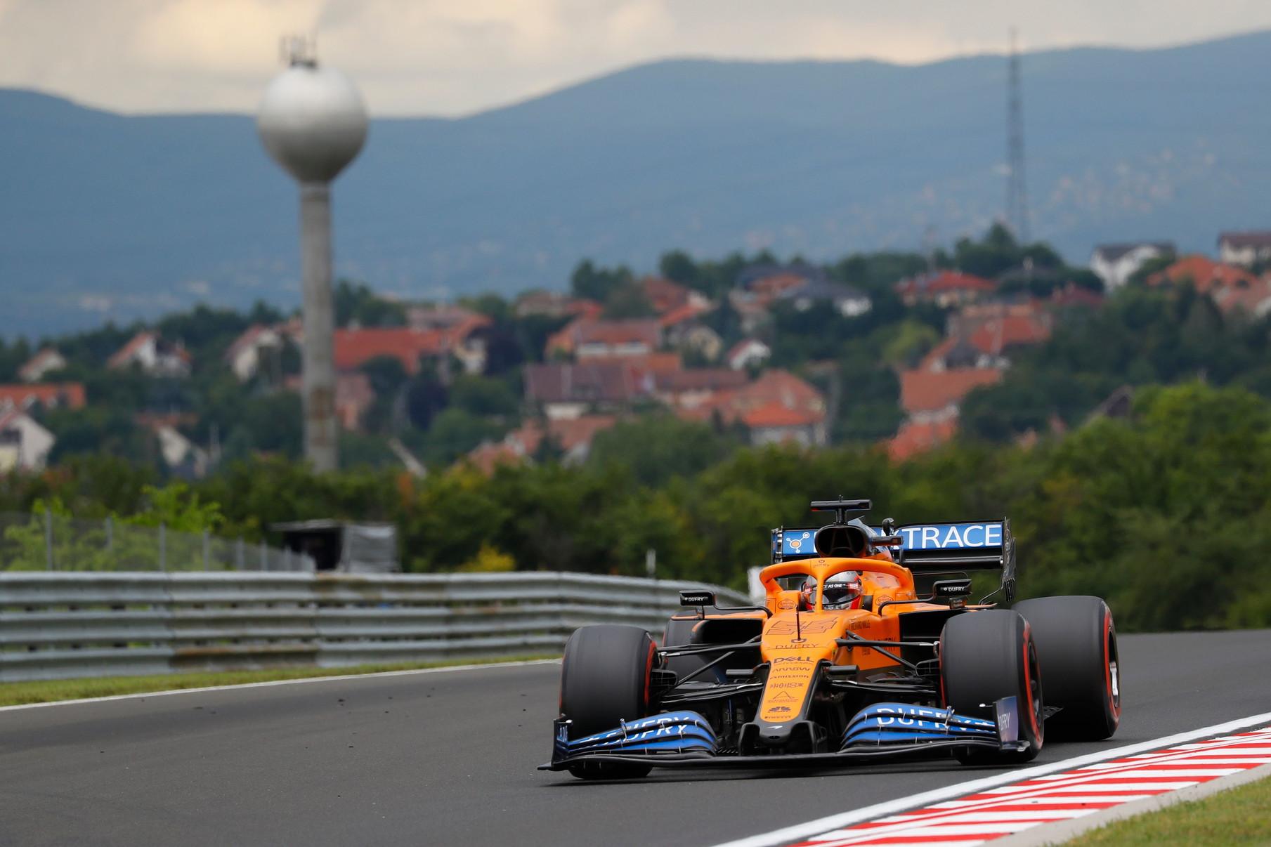 Hamilton conquista la pole position a Budapest davanti a Bottas e Stroll, quinto e sesto posto per le Ferrari