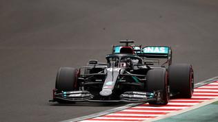 Pole da record per Hamilton, ok Ferrari