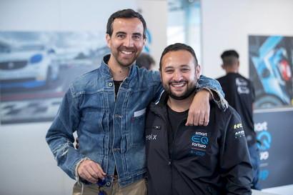 """È Giuseppe De Pasquale (a destra) il primo pilota confermato per il 2020. Dopo la straordinaria stagione d'esordio (ha conquistato 6 podi e sfiorato la vittoria), """"DePa"""" è pronto a tornare in pista a bordo della sua #85 by RSTAR Palermo."""