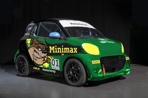 La splendida auto della debuttante Minimax.