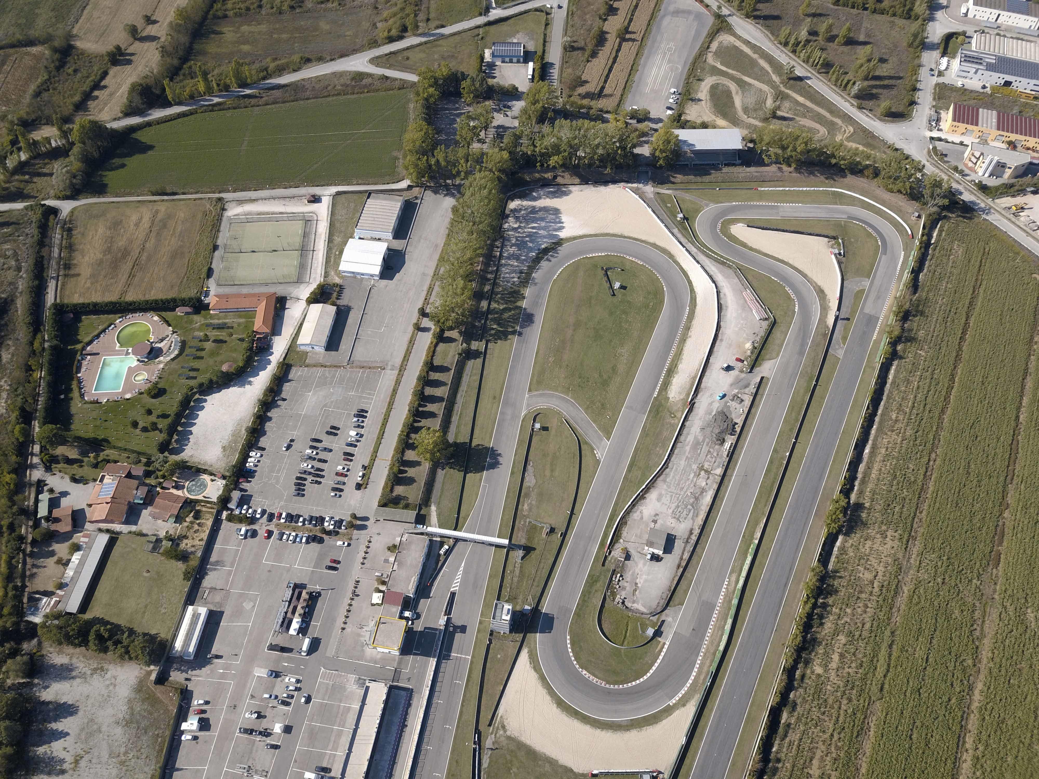 """Il primo circuito dell'anno, l'autodromo dell'Umbria """"Mario Umberto Borzacchini"""" a Magione."""