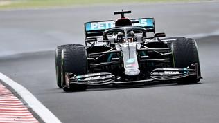 Hamilton annienta tutti, Ferrari doppiate e lontane dal podio