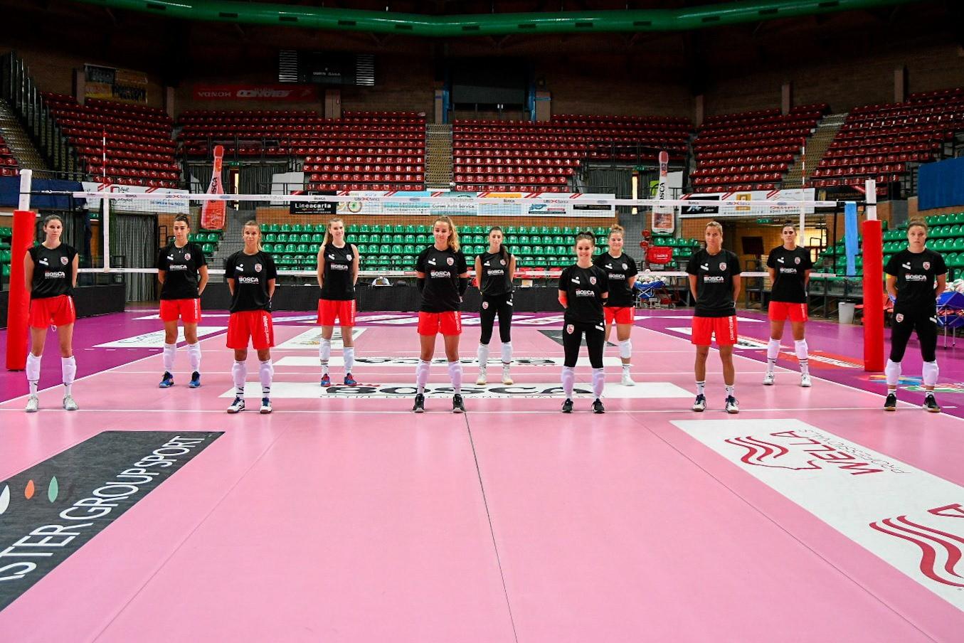 Foto di squadra per la Bosca S.Bernardo Cuneo.