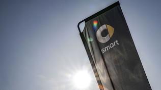 Sorge il sole sulla nuova smart EQ fortwo e-cup: cosa c'è da sapere