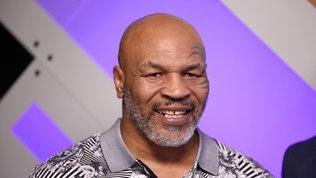 Tyson torna sul ring a 54 anni: 8 round contro Roy Jones Jr