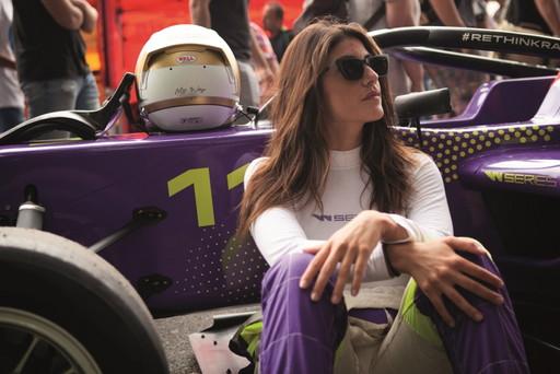 La diva italiana dei motori, Vicky Piria, correrà per SportMediaset.