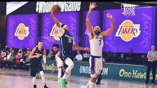Curry show oscura Lebron, ma è il fratello | 4 punti per il Beli