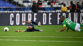 PSG, brutto infortunio per Mbappé