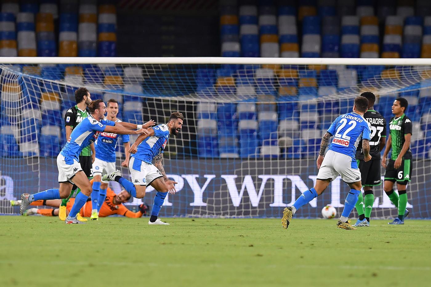Le immagini della sfida del San Paolo. Il terzino azzurro ha trovato il primo gol in Serie A alla presenza 189<br /><br />