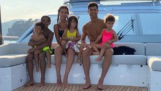Ronaldo, relax in famiglia sulloyacht da 6 milioni