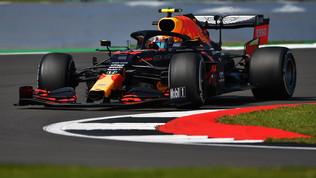 Verstappen davanti nelle libere, guai per Vettel