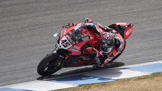 Dominio Ducati con Redding e Davies in gara-2: Rea affonda, super Rinaldi