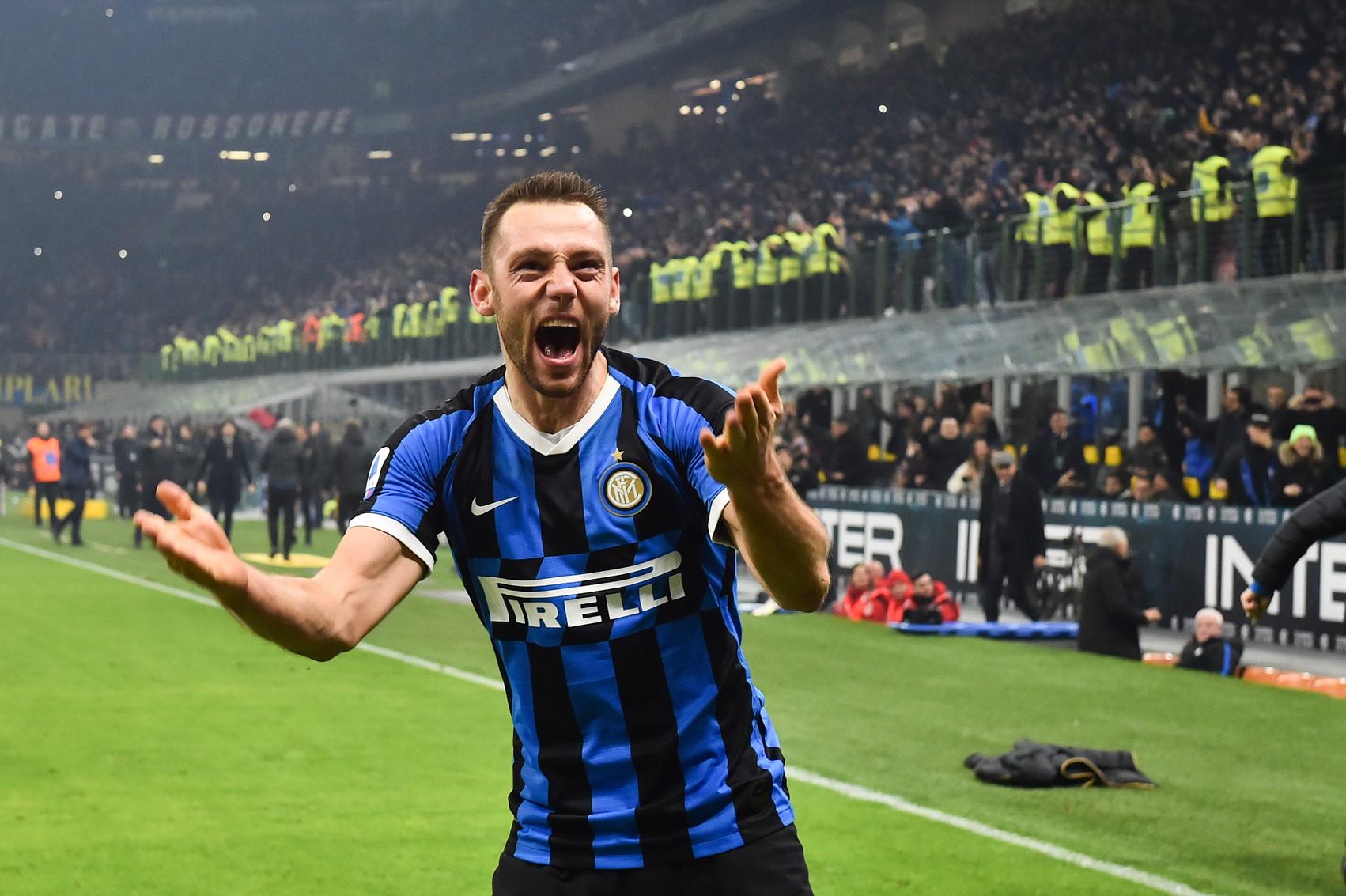 Difensore centrale: De Vrij (Inter)