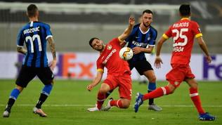 Conte esulta con Barella e Lukaku: Inter in semifinale