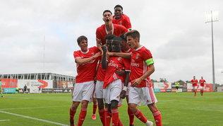 Benfica e Ajax, tris da semifinale: Dinamo Zagabria eMidtjylland ko