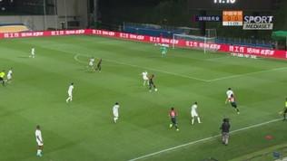 Prima la papera poi il gol di Hamsik