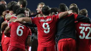 Il Bayern invincibile aggancia il Liverpool. Pure Flick da record
