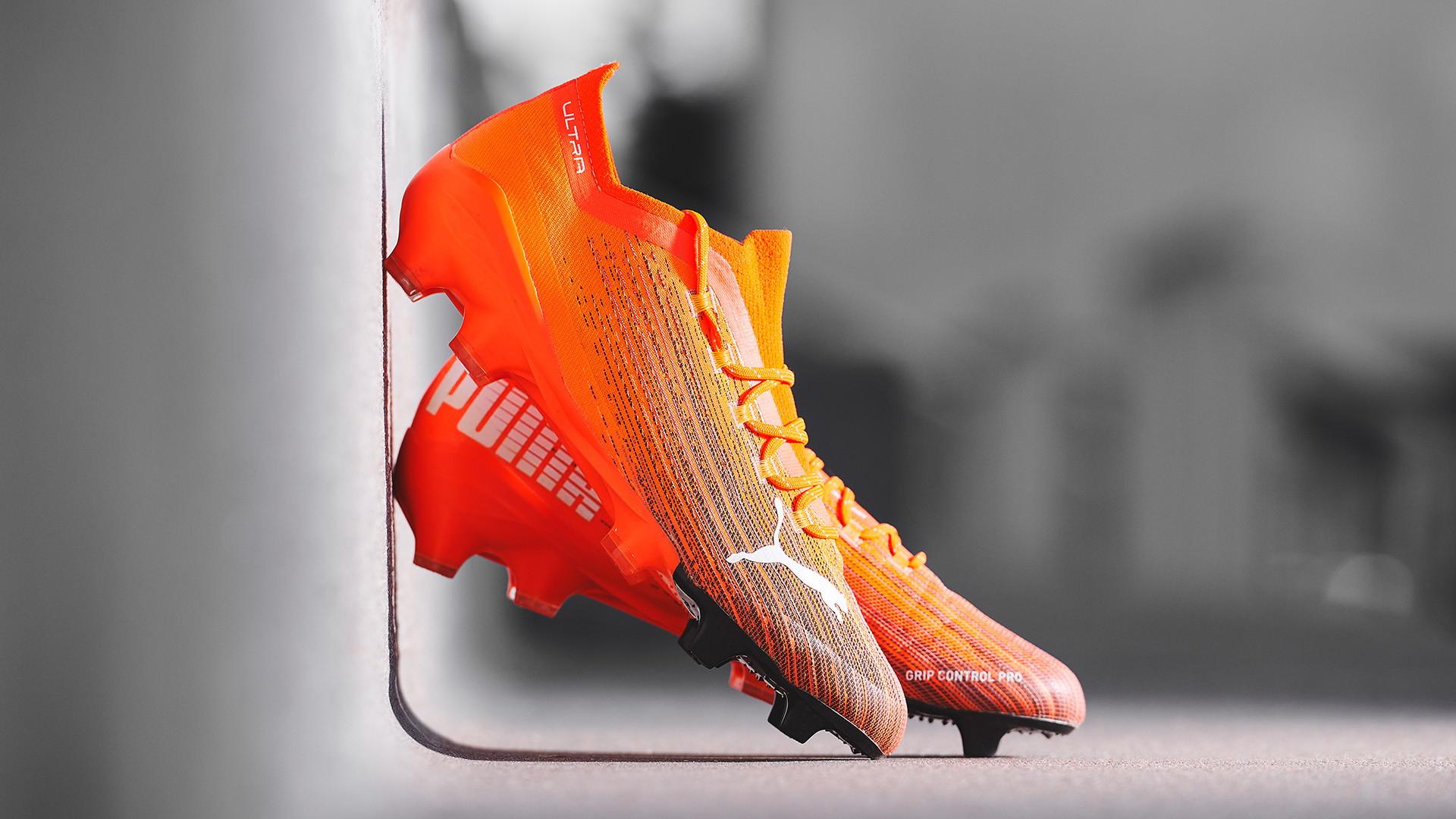 Puma ha presentato&nbsp;le nuove scarpe da calcio ULTRA 1.1, create per introdurre innovazione rivoluzionaria e velocit&agrave; inarrivabile nel mondo del calcio e poi con due testimonial come loro...<br /><br />