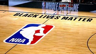 La NBA ha deciso: si torna in campo sabato, ma la protesta continua
