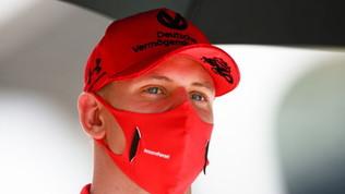 """Mick Schumacher sulle orme del padre: """"Farà i test con l'Alfa"""""""