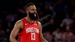 Nba: i Rockets passano all'ultimo respiro, Gallinari eliminato