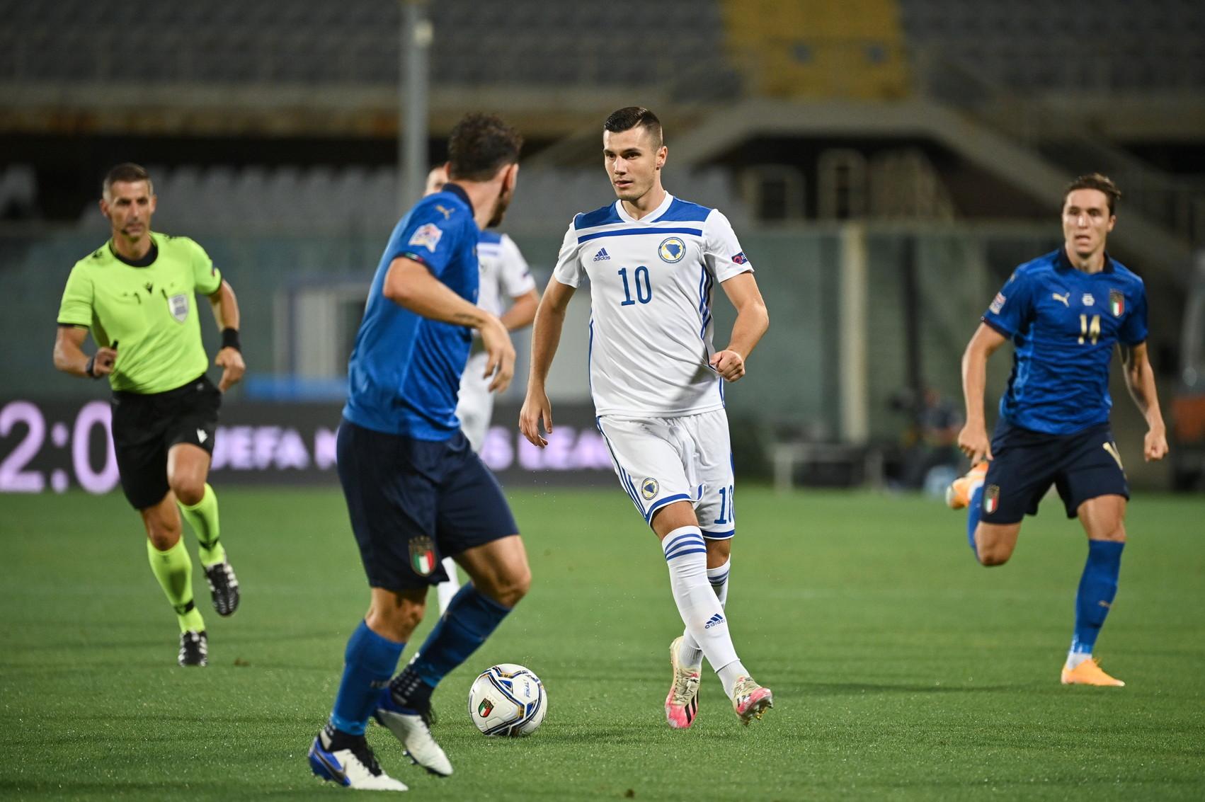 Sensi risponde a Dzeko, la Nations League degli azzurri comincia con un pareggio<br /><br />