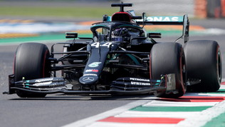 Hamilton poleman da record a Monza
