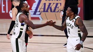Miami cade, i Bucksancora in corsa. LeBron e Davis trascinano LA