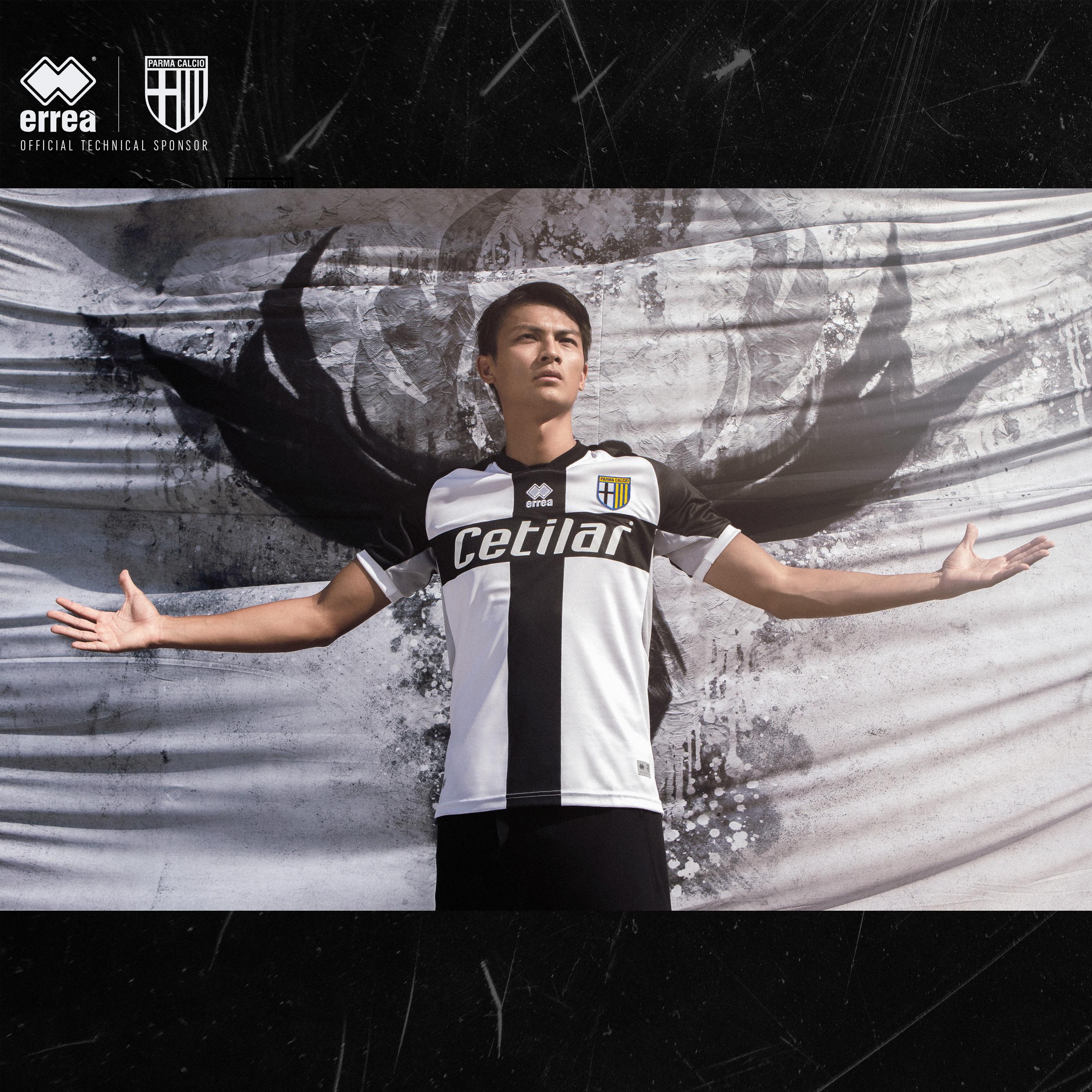 &nbsp;Erre&agrave; ha presentato&nbsp;la nuova divisa home 2020-2021 del Parma Calcio 1913: le ali nere della Fenice per continuare a volare!<br /><br />