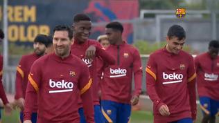 Barcellona, Messi e Suarez si allenano sotto la pioggia
