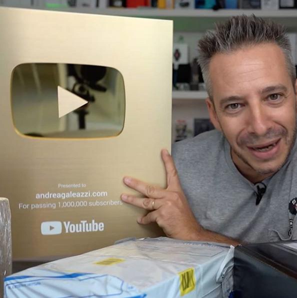 Andrea Galeazzi. Milanese, 46 anni, architetto, YouTuber, appassionato di tutto ciò che sia hi-tech e...pilota!