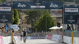 Tirreno-Adriatico: la prima tappa di montagna premia Lucas Hamilton