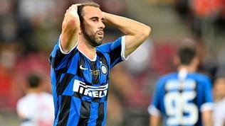 Inter, Darmian per Godin: i tifosi si scatenano sui social