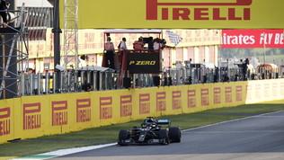 Il Mugello è tutto nero, anche per la Ferrari