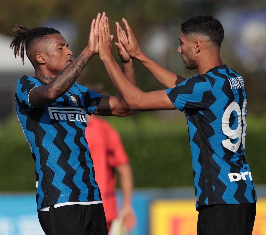 Prima amichevole con esito positivo per l&rsquo;Inter: alla Pinetina i nerazzurri vincono 5-0 sul Lugano grazie alla doppietta di Lautaro Martinez, alle reti di Dalbert e Lukaku (quest&rsquo;ultimo su rigore), e all&rsquo;autogol dell&rsquo;ospite Kecskes.&nbsp;<br /><br />
