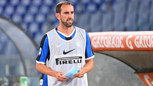 Godin al Cagliari, intesa raggiunta: via libera all'Inter per Vidal