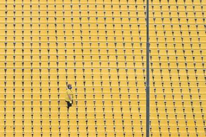 Il ritorno dei tifosi allo stadio: distanziati e con mascherina<br /><br />