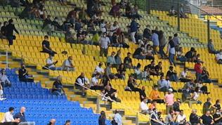 Ecco i tifosi allo stadio: in 1.000 sugli spalti al 'Tardini' di Parma