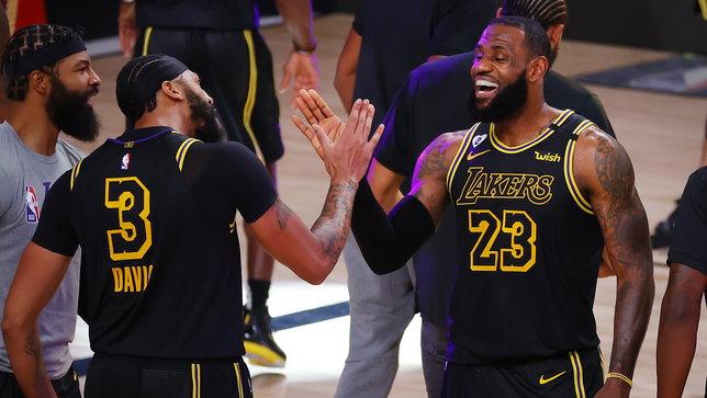 Davis la vince alla sirena, Lakers sul 2-0. Nuggets, Jokic non basta