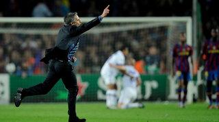 Mourinho celebra 20 anni di carriera: tutte le imprese dello Special One